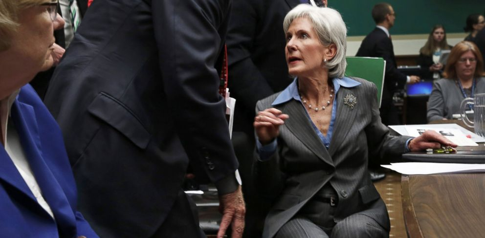 PHOTO: Health and Human Services Secretary Kathleen Sebelius turns to speak to an aide during a House Energy and Commerce Committee hearing on Capitol Hill in Washington, Oct. 30, 2013.