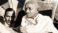 PHOTO: Mahatma Gandhi on board the SS Rajputanaa, 1931.