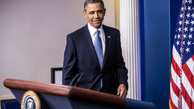 PHOTO: U.S. President Barack Obama arrives to deliver a statement in the White House Briefing Room following passage by the House of tax legislation on January 1, 2013 in Washington, DC.