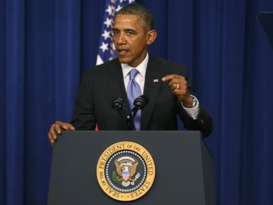 Obama Imposes Sanctions on Individuals Over Ukraine Crisis
