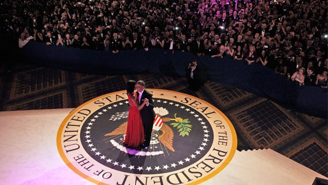 PHOTO: President Barack Obama and first lady Michelle Obama dance together at the Commander-in-Chief's Inaugural Ball in Washington, at the Washington Convention Center during the 57th Presidential Inauguration, Jan. 21, 2013.