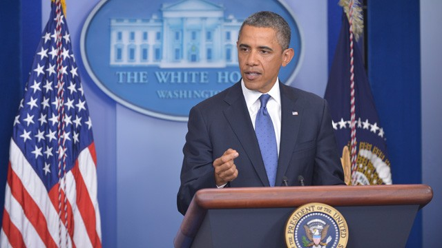 PHOTO: US President Barack Obama speaks following a meeting with congressional leaders in the Brady Briefing Room of the White House on December 28, 2012 in Washington, DC.