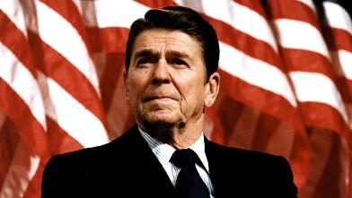PHOTO: Former U.S. President Ronald Reagan speaks at a rally for Senator Durenberger February 8, 1982.