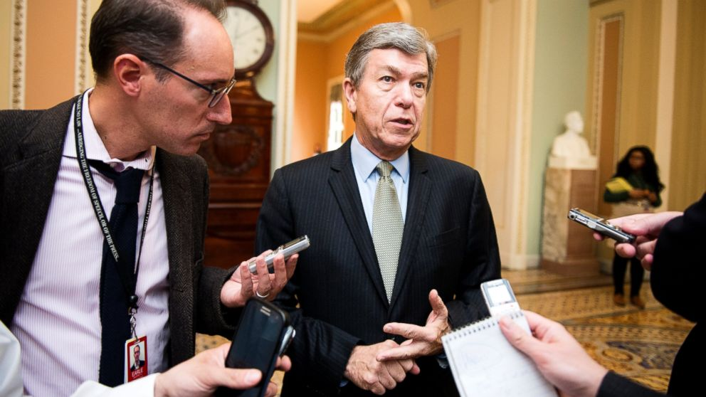 ' ' from the web at 'http://a.abcnews.com/images/Politics/gty_roy_blunt_lb_150313_16x9_992.jpg'