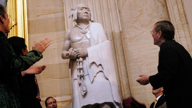 PHOTO: Sen. Pete Domenici (R), R-NM, at the dedication ceremony of the statue of Pueblo leader Po'pay in the Rotunda of Capitol.