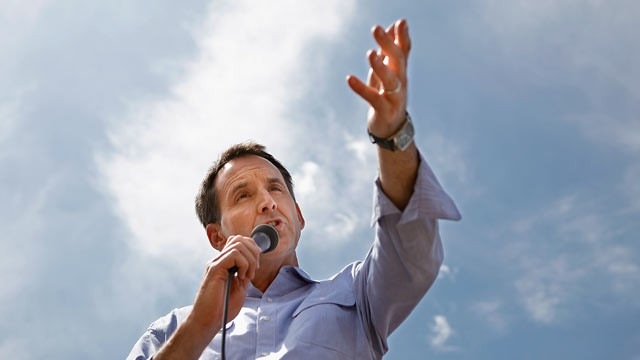 PHOTO: Former Minnesota Governor Tim Pawlenty talks to voters at the Des Moines Registers Soapbox at the Iowa State Fair, Aug. 12, 2011 in Des Moines, Iowa.