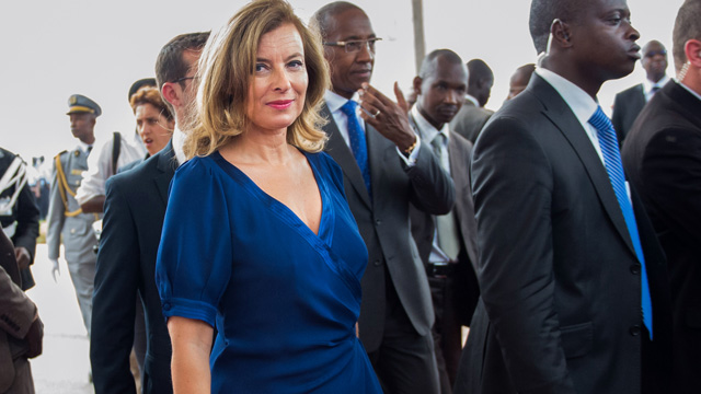 PHOTO: France's President's companion Valerie Trierweiler arrives at the Leopold Sedar Senghor airport in Dakar on October 12, 2012.
