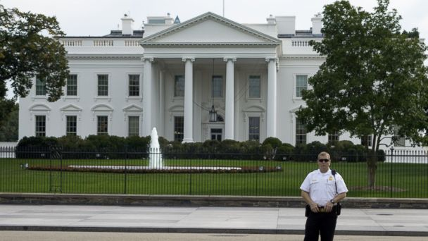 http://a.abcnews.com/images/Politics/gty_white_house_security_fence_jc_140923_16x9_608.jpg