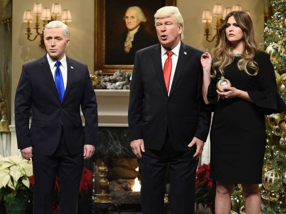 PHOTO: SATURDAY NIGHT LIVE -- Episode 1734 -- Pictured: (l-r) Beck Bennett as Vice President Mike Pence, Alec Baldwin as President Donald J. Trump, Cecily Strong as First Lady Melania Trump during White House Tree Trimming Cold Open on Dec. 16, 2017.