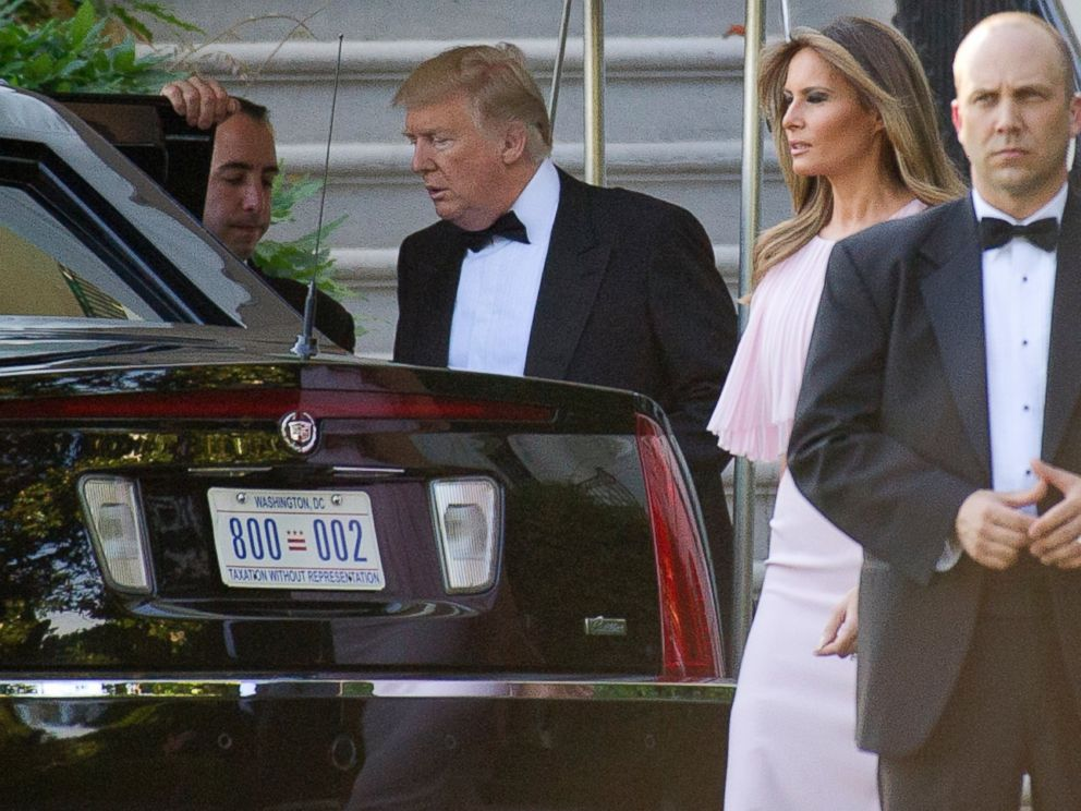 Photo United States President Donald J Trump And First Lady Melania Depart The