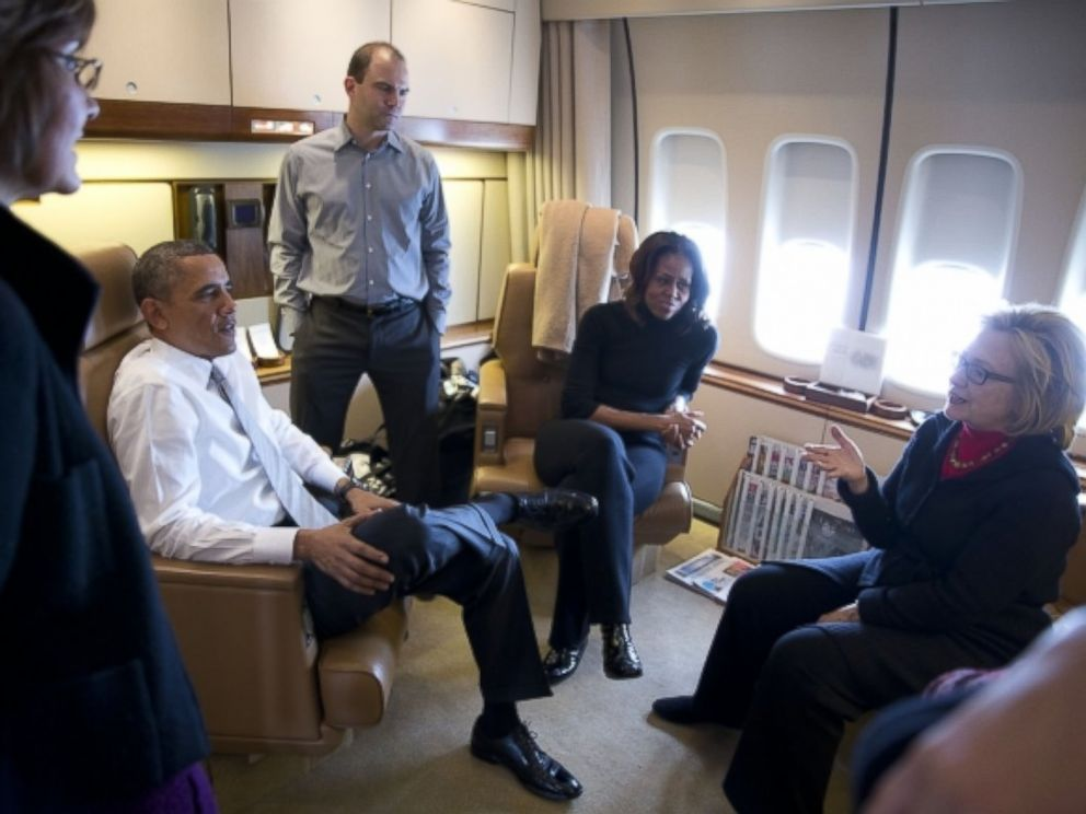 ht air force one hillary kb 131211 4x3 992 Bush Obama Vs. Sarkozy Hollande: Nuances of American and French Democracy