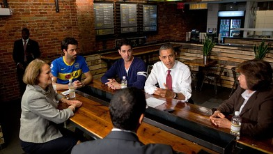 PHOTO: President Barack Obama and Small Business Administrator Karen Mills, left, participate in a roundtable with small business owners at Taylor Gourmet in Washington, D.C., May 16, 2012.