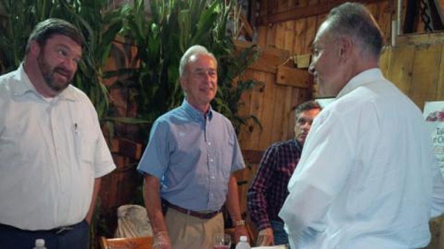 PHOTO: Chuck Schumer at county fair