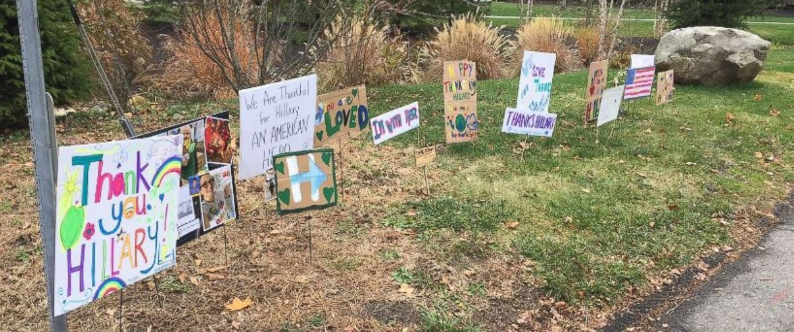 """PHOTO: Hillary Clinton tweeted this photo on November 24, 2016, writing, """"I was greeted by this heartwarming display on the corner of my street today. Thank you to all of you who did this. Happy Thanksgiving. -H"""""""