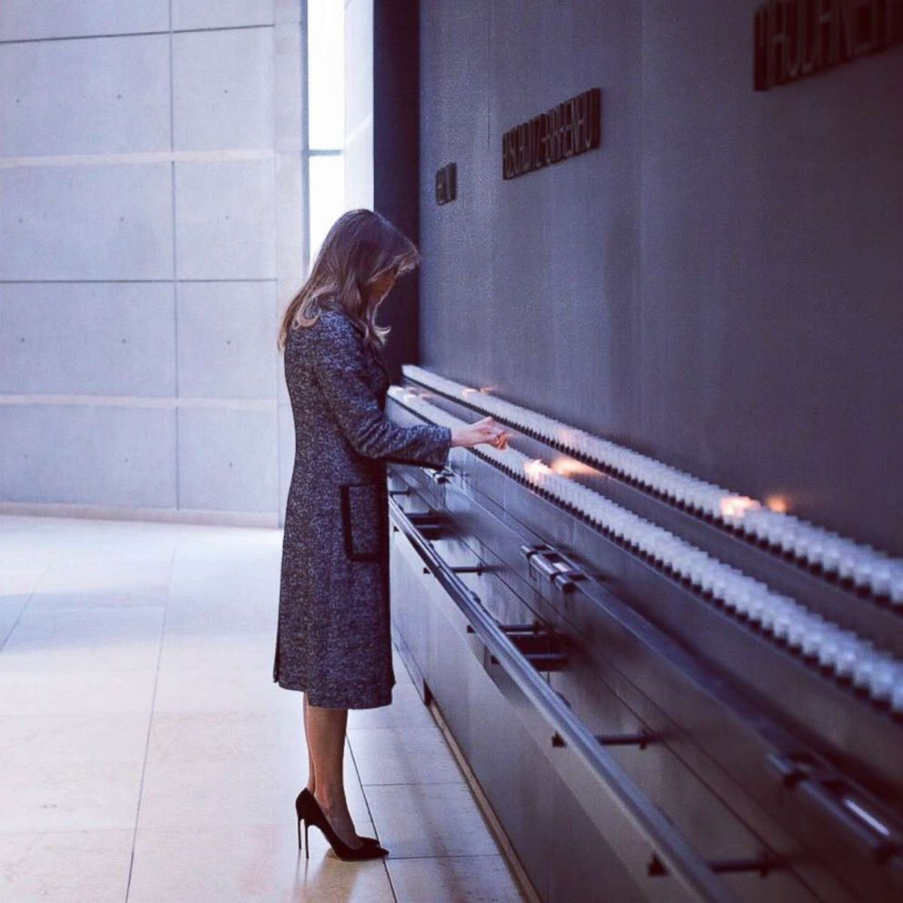 PHOTO: First Lady Melania Trump at the US Holocaust Memorial Museum UU In Washington on January 25, 2018.
