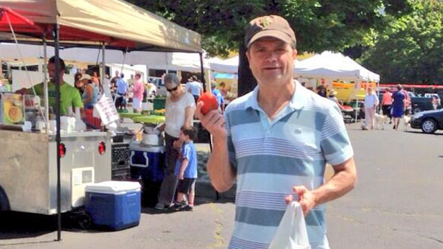 PHOTO: Mike Quigly at farmer's market