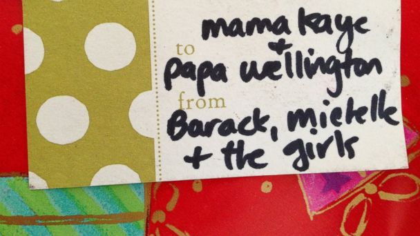 ht obama gift wrapping kb 140102 16x9 608 Obama Family Holiday Package Snafu Surprise for Illinois Woman