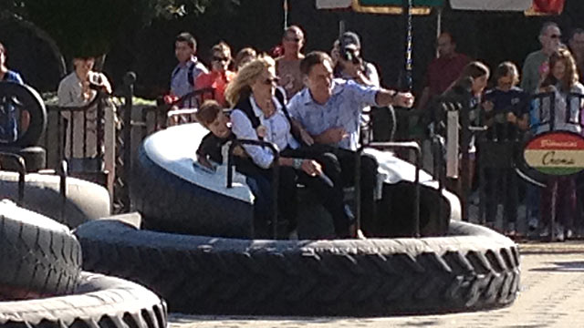 PHOTO: Mitt Romney and his wife, Ann, enjoyed themselves in Disneyland on Nov. 20, 2012.