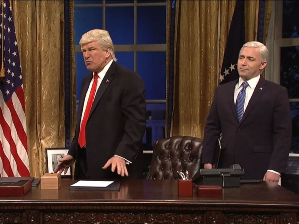 Image result for Melissa McCarthy, Alec Baldwin return to 'SNL' as Spicer and Trump