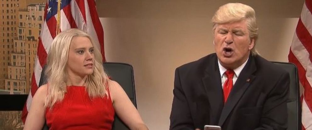 """PHOTO: """"Saturday Night Live"""" cast member Kate McKinnon as Kellyanne Conway, and Alec Baldwin as Donald Trump, in the cold open of the Dec. 3, 2016 episode of """"SNL."""""""