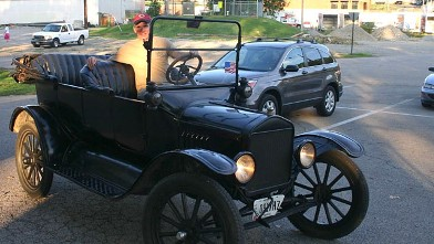 PHOTO: Ohio Sen. Rob Portman tweeted a photo of himself in his 1917 Model T Ford, July 29, 2012.