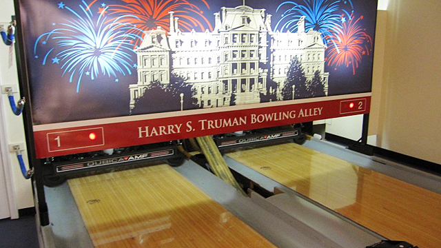 President Obama\'s White House Bowling Alley Gets Thousands of ...