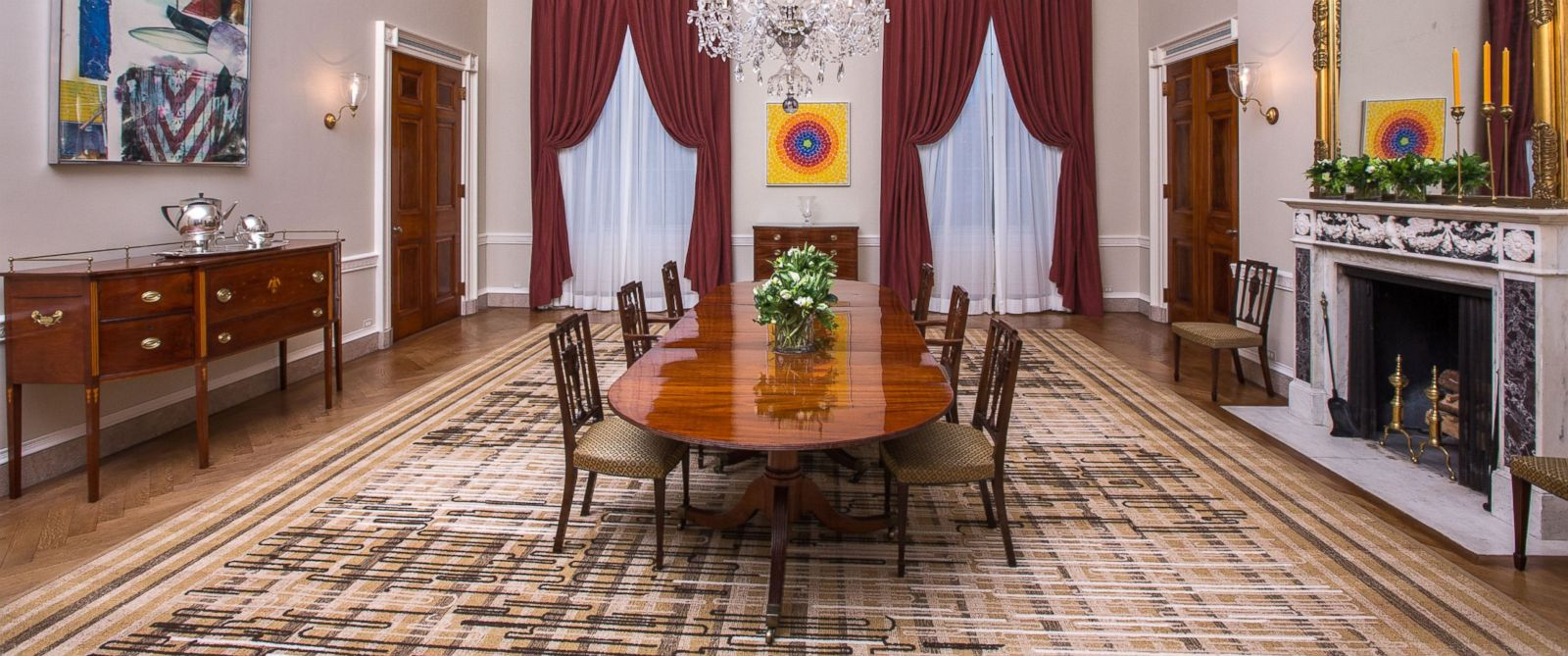 Family Dining Room Michelle Obama Surprises White House Visitors With Public Viewing