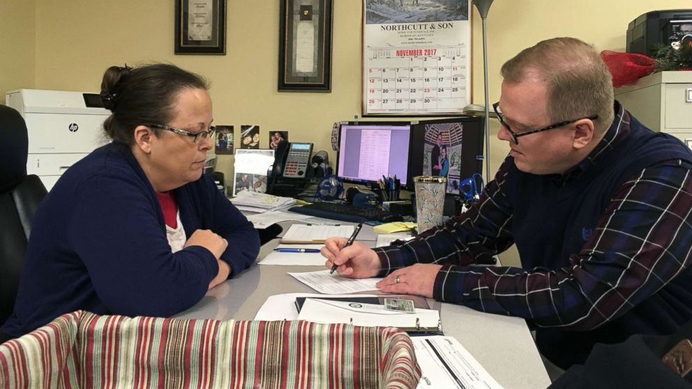 Gay man denied marriage license by Kim Davis challenging her for county clerk: I want to bring 'people back together'