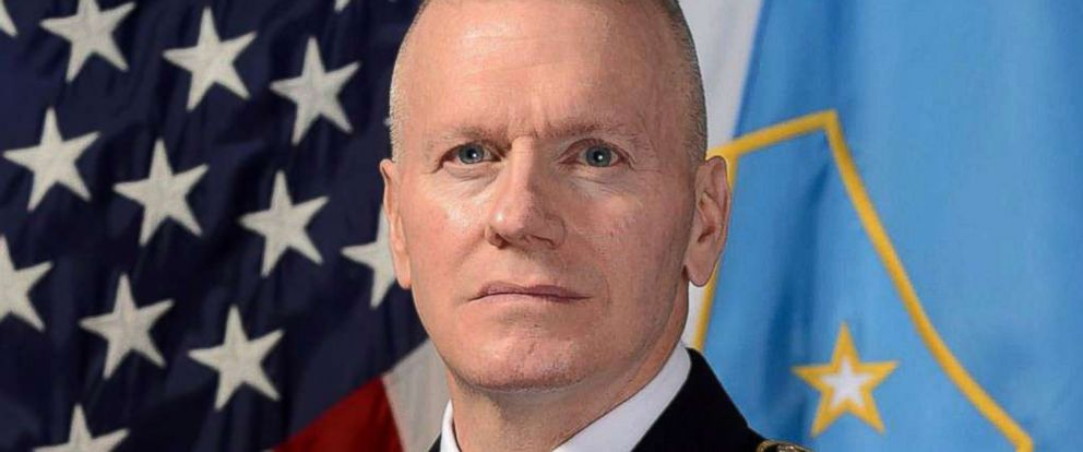 PHOTO: Senior Enlisted Advisor to the Chairman of the Joint Chiefs of Staff, Army Command Sergeant Major John Wayne Troxell