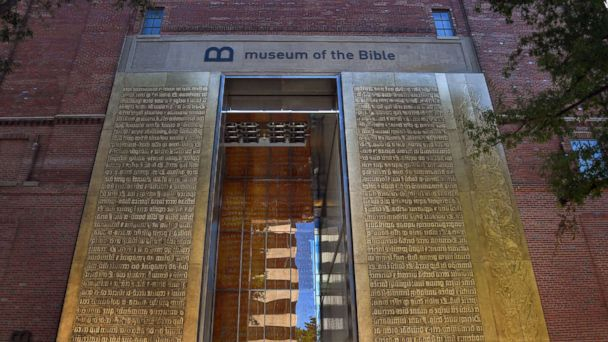 http://a.abcnews.com/images/Politics/museum-of-the-bible2-gty-mem-171116_16x9_608.jpg
