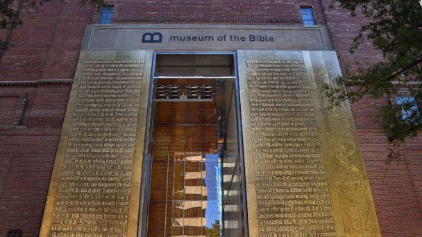 http://a.abcnews.com/images/Politics/museum-of-the-bible2-gty-mem-171116_16x9_608.jpg