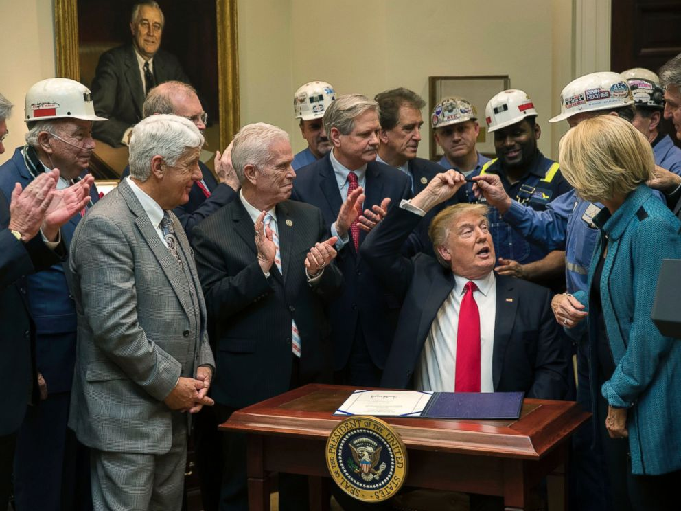 PHOTO: President Trump signs a measure at the White House, Feb. 16, 2017.
