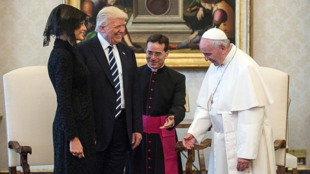 PHOTO: President Donald Trump and first lady Melania meet Pope Francis at the Vatican, May 24, 2017.