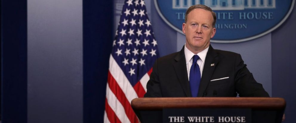 PHOTO: White House Press Secretary Sean Spicer holds the daily press briefing at the White House in Washington, March 21, 2017.