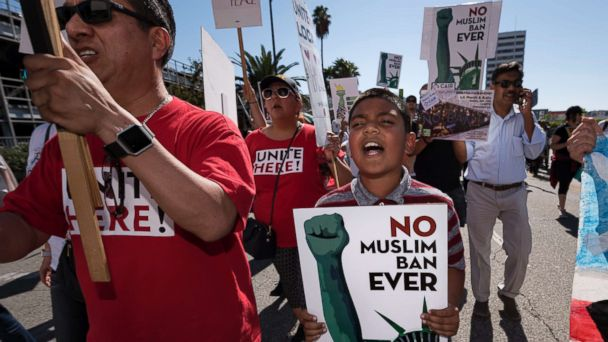 http://a.abcnews.com/images/Politics/travel-ban-protest-01-gty-jc-171017_16x9_608.jpg