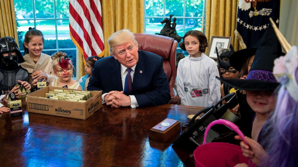 Trump Greets Oval Office Trick Or Treaters 39 I Can 39 T