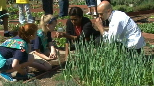 Michelle Obama Plants 4th White House Garden Abc News Videos Yahoo Screen