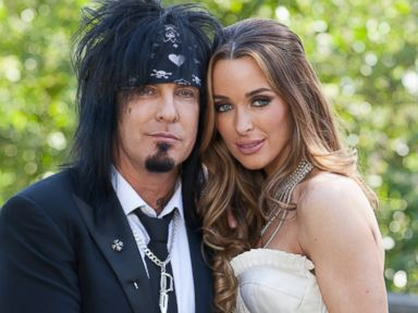 Motley Crue Rocker Nikki Sixx Marries Courtney Bingham