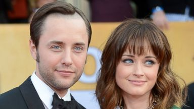 PHOTO: Vincent Kartheiser, left, and Alexis Bledel, right, are pictured on Jan. 27, 2013 in Los Angeles.