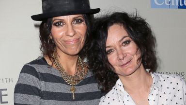 PHOTO: Linda Perry and actress Sara Gilbert