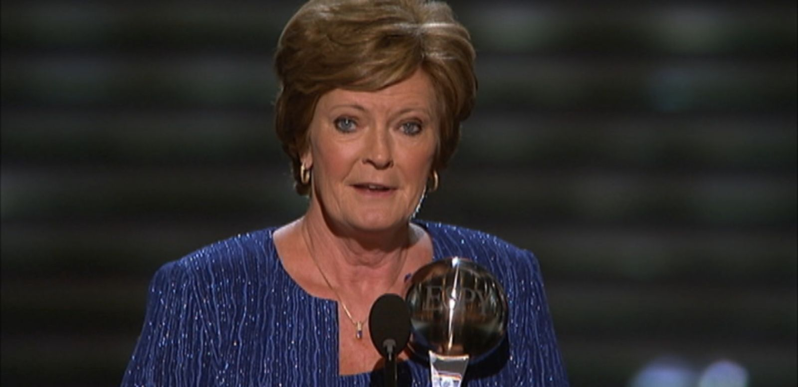 VIDEO: The University of Tennessee coach received the Arthur Ashe Courage Award in July 2012.