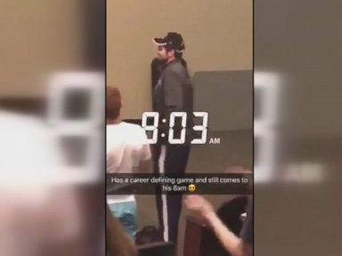 WATCH:  UNC hoops star gets standing ovation in morning class, after winning shot