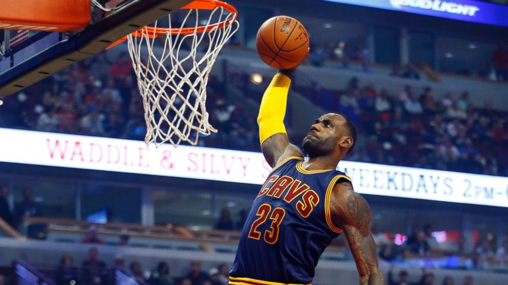 http://a.abcnews.com/images/Sports/AP_LeBron_James_Dunking_MEM_160927_16x9_992.jpg
