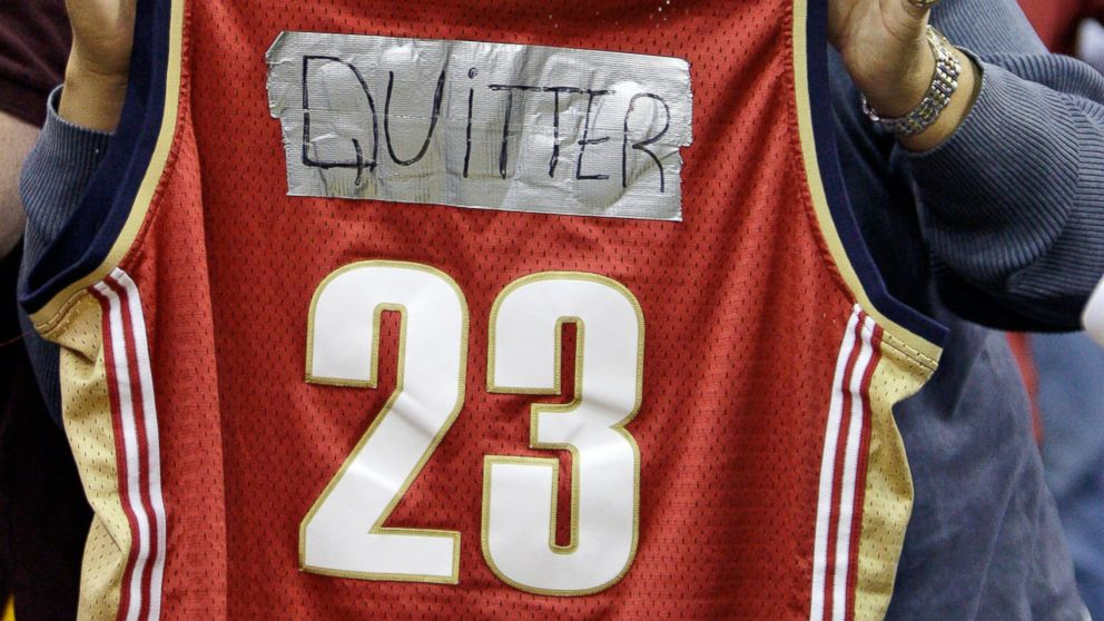 PHOTO: A fan shows his displeasure for LeBron James before the Miami Heat play the Cleveland Cavaliers in an NBA basketball game, Dec. 2, 2010, in Cleveland.