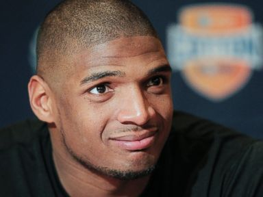 Rams Make Michael Sam First Openly Gay Player Drafted in NFL