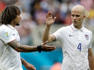 US Advances to Knockout Stage Despite Loss