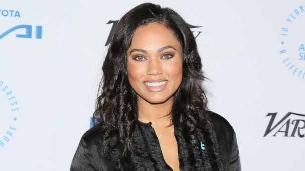 PHOTO: Ayesha Curry attends the Autism Speaks to Los Angeles celebrity chef gala held at the Barker Hangar, Oct. 8, 2015 in Santa Monica, Calif.