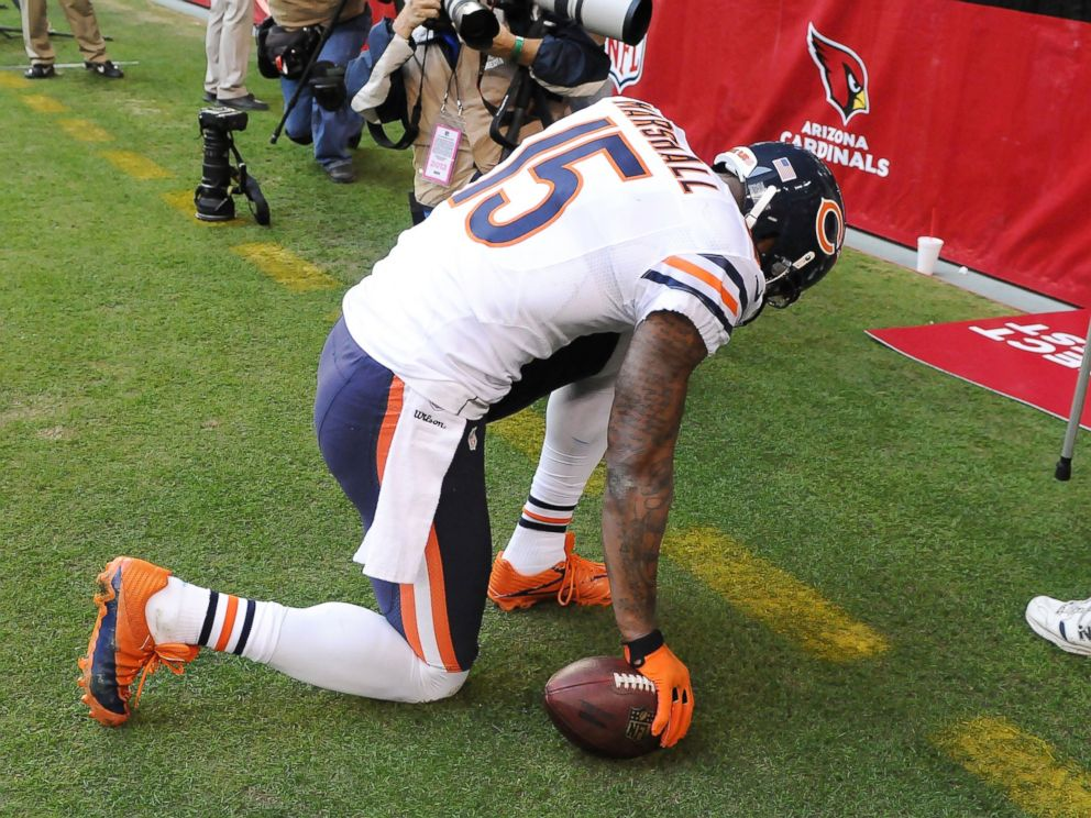 PHOTO: Brandon Marshall #15 of the Chicago Bears kneels at the back of the end zone after scoring a touchdown against the Arizona Cardinals at University of Phoenix Stadium, Dec. 23, 2012, in Glendale, Ariz.
