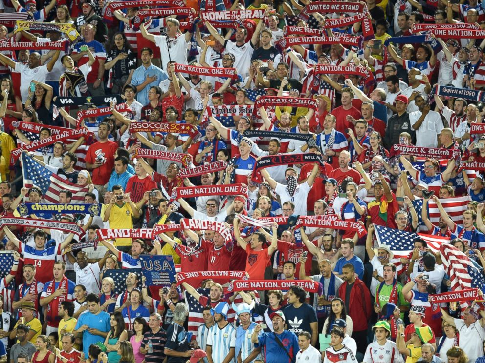 PHOTO: U.S. fans cheer prior to the 2014 FIFA World Cup Brazil Group G match between Ghana and the United States at Estadio das Dunas, June 16, 2014 in Natal, Brazil