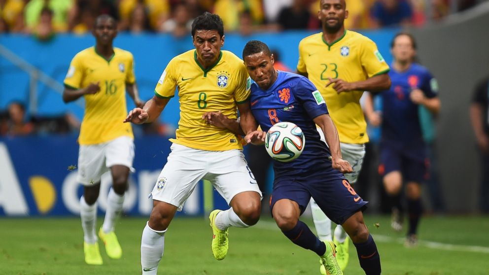 ' ' from the web at 'http://a.abcnews.com/images/Sports/GTY_world_cup_brazil_netherlands_jt_140712_16x9_992.jpg'